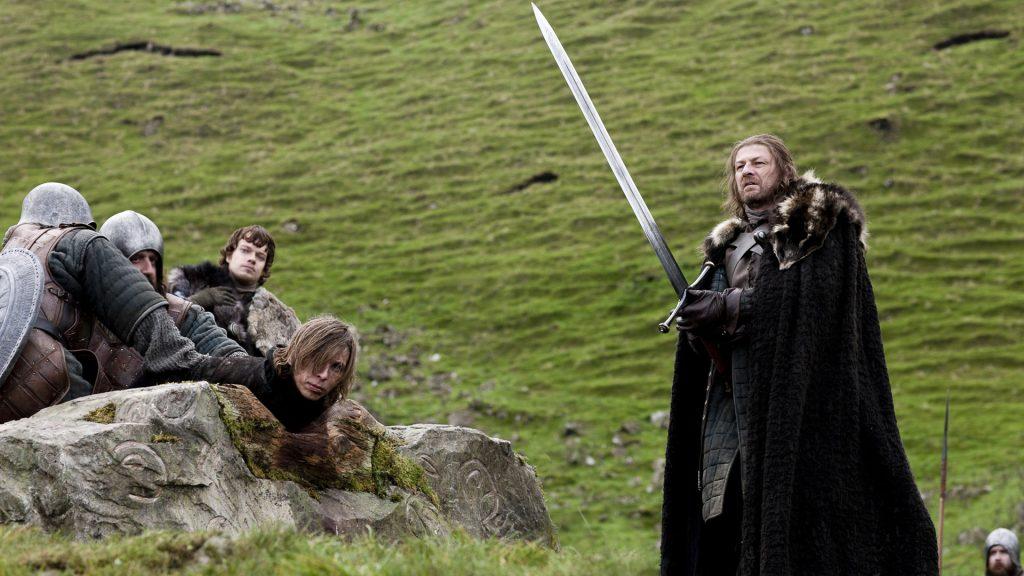 Ned_Stark_ice_sword_unpocogeek.com