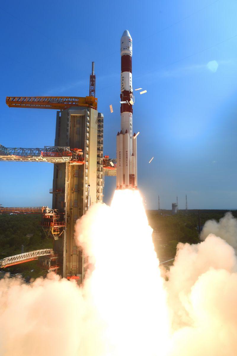india_lanzamiento_de_20_satelites_3_unpocogeek.com