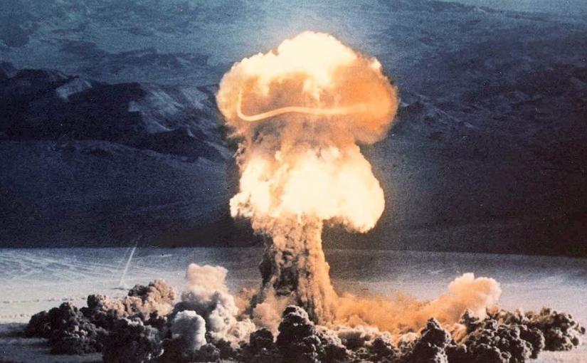 Nuevos videos restaurados sobre pruebas de bombas nucleares en Nevada